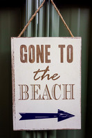 DSC01248 gone to the beach - sign 1800px