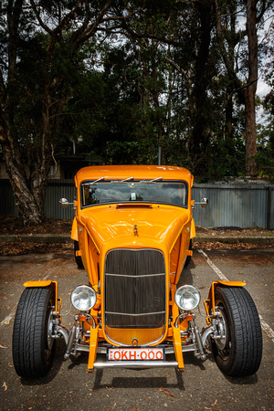 3290 - octane '32 Ford coupe close front